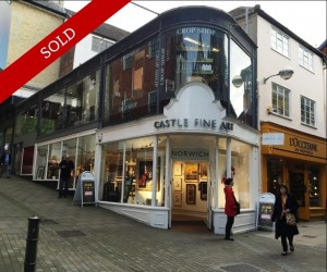 Gorgeous retail unit in the heart of heritage shopping area. Let to Castle Fine Art on a 15 year lease at £60,000 pa.
