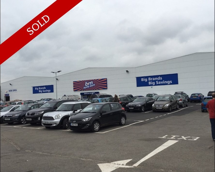 26,000 sq ft A1 retail warehouse investment. Prominent position & 15 year lease (no break) with B&M Retail.