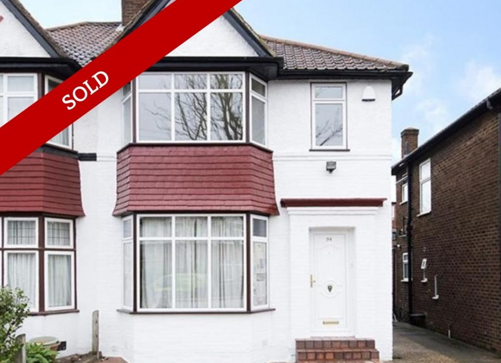 3 Bed Semi-Detached Recently Renovated Home with Garden in Cleveland Gardens NW2