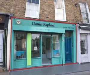 NEW LEASE AVAILABLE : Prominently Positioned 1,160 sq ft Dual Floor A1/A2 Retail Unit in Marylebone