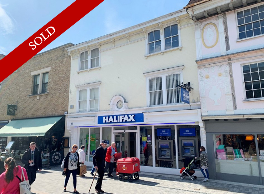 Fantastic freehold bank investment well located opposite Primark and main Shopping Centre at £95,000 p.a.